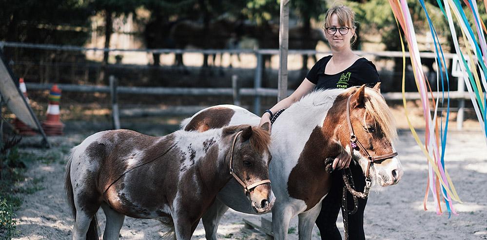 Wiebke Knüppel - Reitunterricht und Stark mit Ponys in Norderstedt